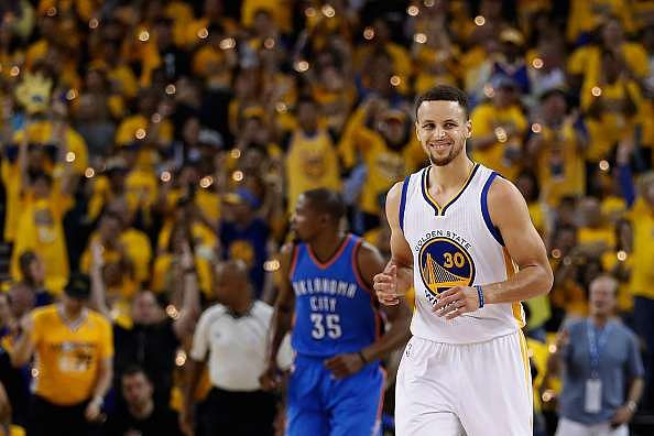 2016 NBA West Finals: Stephen Curry and Warriors rout Thunder by 27 points, tie series 1-1