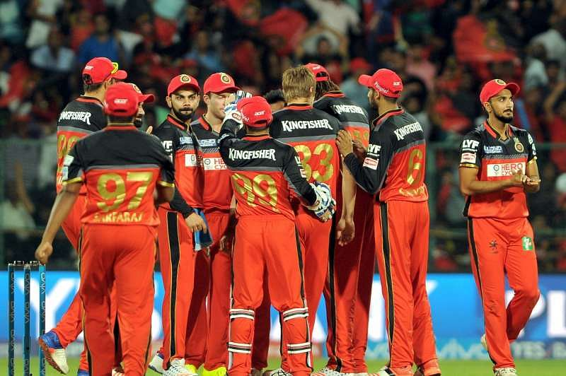 IPL 2016: Virat Kohli surprises the RCB youngsters, and they love it