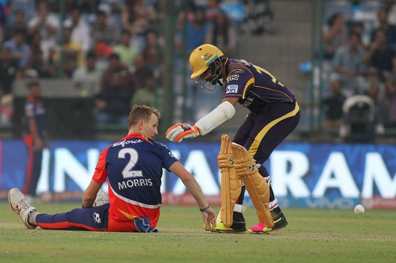 15 Best Images from IPL 9 - Morris takes a tumble, ABD under attack, Dhoni's scream