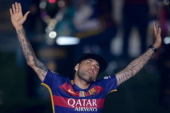 Dani Alves to leave Barcelona and join Juventus on a free transfer - reports