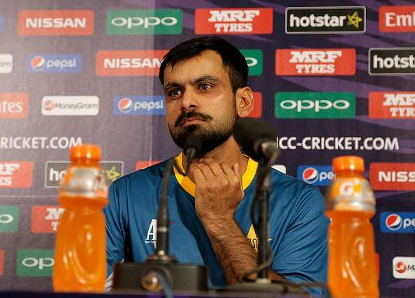 Mohammad Hafeez's knee injury troubles compunded by showcause notice