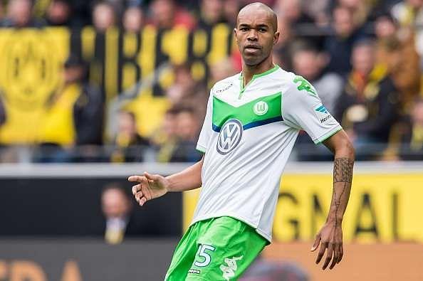 Schalke sign Wolfsburg defender Naldo on a free transfer