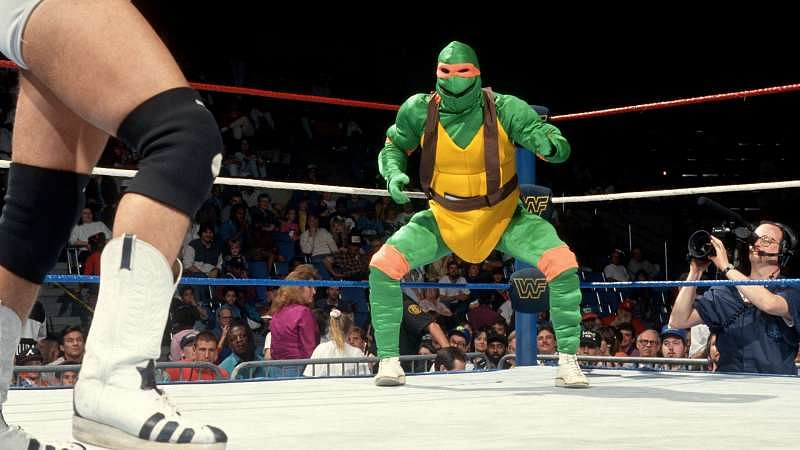 The strange but true story of Gillberg and the wrestling turtles :    Duane 'Gillberg' Gill, former WWE Light Heavyweight Champion