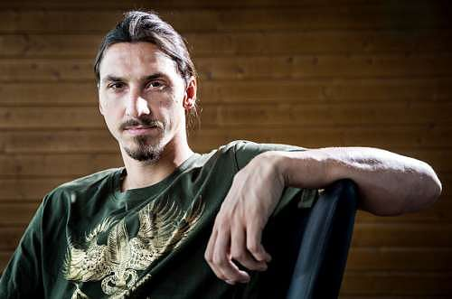 Zlatan Ibrahimovic confirms he is joining Manchester United