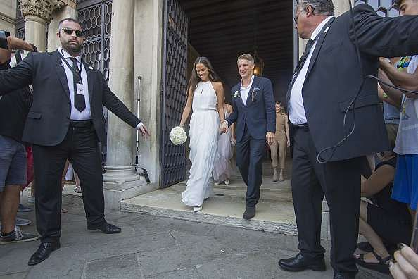 Man Utd star Schweinsteiger ties the knot with tennis ace Ivanovic