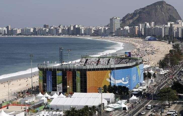 Beach volleyball - So Brazil! Copacabana debut delights fans despite ...