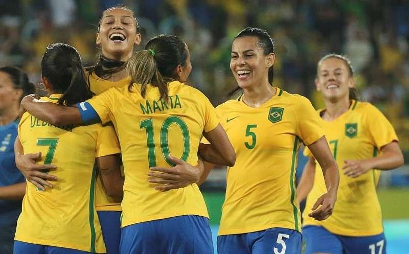 Brazil, USA advance to last eight