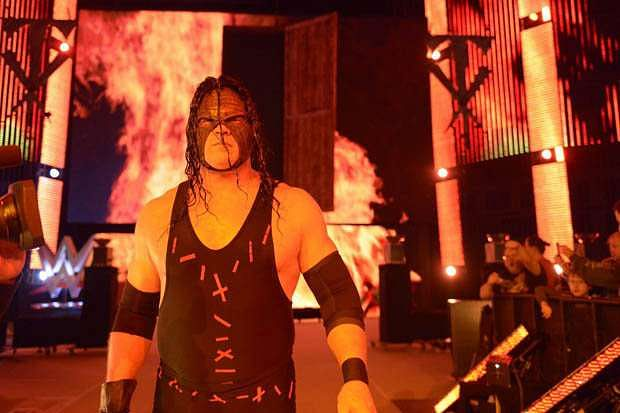 Top Catch - Page 5 Kane-wwe-1470387135-800