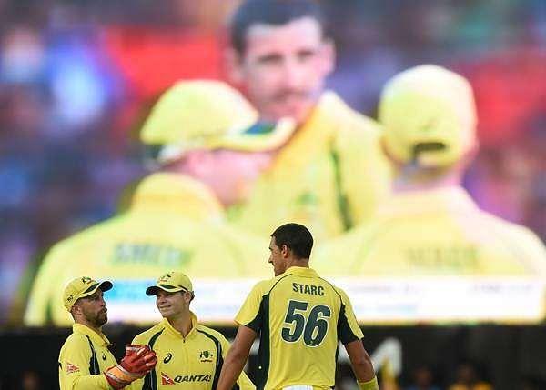 Australia beat Sri Lanka by 3 wickets in 1st ODI