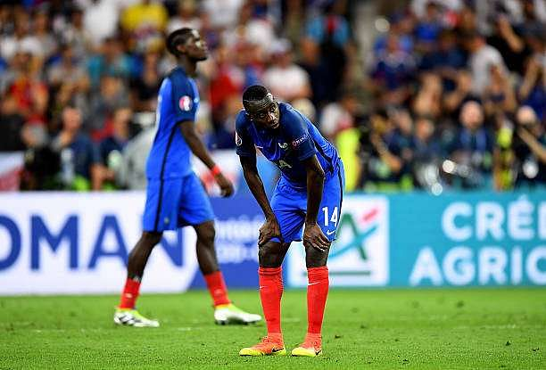 PARIS, FRANCE - JULY 10: Blaise Matuidi of France shows his dejection after his team's 0-1 defeat in the UEFA EURO 2016 Final match between Portugal and France at Stade de France on July 10, 2016 in Paris, France. (Photo by Michael Regan/Getty Images)