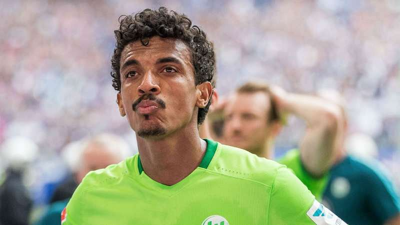 Luiz Gustavo Swaps Wolfsburg For Marseille